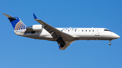 N945SW - Bombardier CRJ-200ER - United Express (SkyWest Airlines)