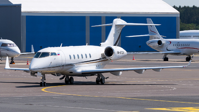 RA-67224 - Bombardier BD-100-1A10 Challenger 300 - UTair Aviation