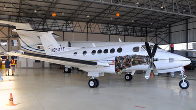 N250TT - Beechcraft 200 Super King Air - Private