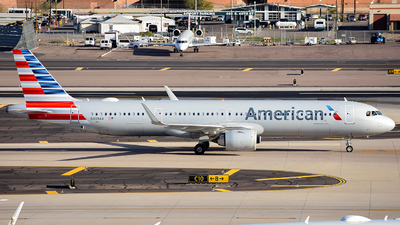 A picture of N409AA - Airbus A321253NX - American Airlines - © Alexander Owen