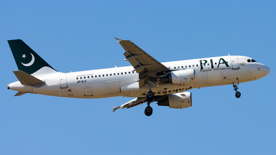 AP-BLV - Airbus A320-214 - Pakistan International Airlines (PIA)