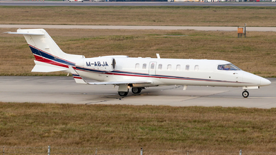 A picture of MABJA - Learjet 45 - Ryanair - © Steve Smith