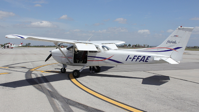 I-FFAE - Reims-Cessna F172M Skyhawk - Aero Club - Varese