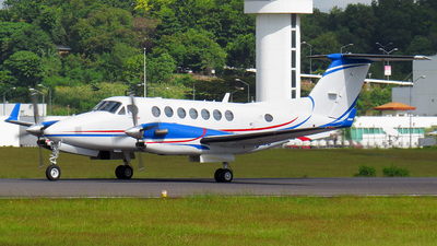 RP-C2028 - Beechcraft B300 King Air 350i - Private