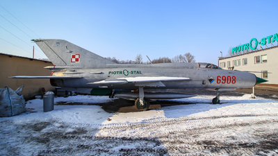 6908 - Mikoyan-Gurevich MiG-21 Fishbed - Poland - Air Force