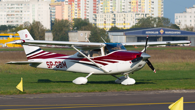 SP-GBM - Cessna 182T Skylane - Private