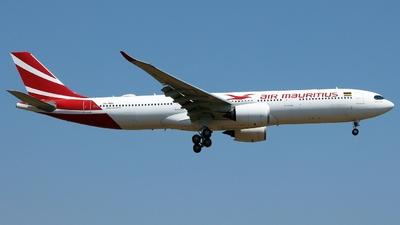 A picture of 3BNBU - Airbus A330941 - Air Mauritius - © Austin Ferreira