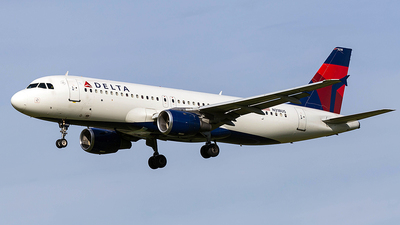 A picture of N318US - Airbus A320211 - [0206] - © Wenjie Zheng