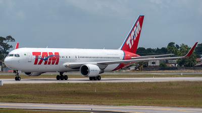 PT-MSZ - Boeing 767-316(ER) - LATAM Airlines