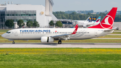 A picture of TCJVK - Boeing 7378F2 - Turkish Airlines - © Lars Kämena