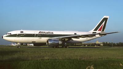 I-BUST - Airbus A300B4-103 - Alitalia