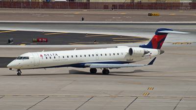 N613SK - Bombardier CRJ-701 - Delta Connection (SkyWest Airlines)
