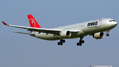N821NW - Airbus A330-323 - Northwest Airlines