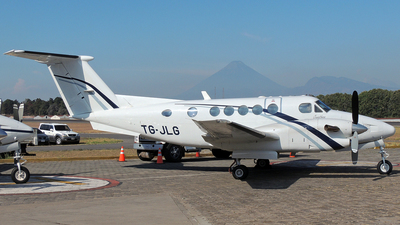 TG-JLG - Beechcraft B300 King Air - TAG Airlines - Transportes Aéreos Guatemaltecos