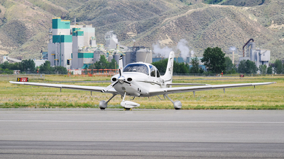 C-FLNR - Cirrus SR22 - Private