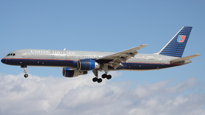 N565UA - Boeing 757-222 - United Airlines