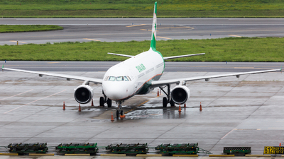 A picture of B16202 - Airbus A321211 - EVA Air - © YIFENG SHEN