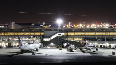 KEWR - Airport - Ramp