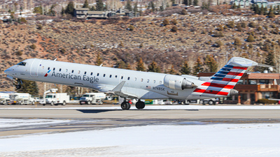 A picture of N748SK - Mitsubishi CRJ701ER - American Airlines - © Oliver J Semple
