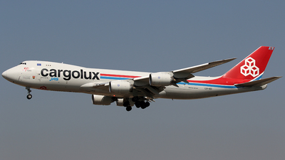 A picture of LXVCI - Boeing 7478R7(F) - Cargolux - © *DaVe*
