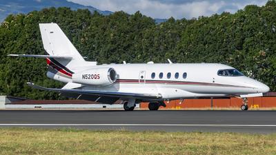 A picture of N520QS - Cessna 680A Citation Latitude - NetJets - © Ariel Castillo Morales