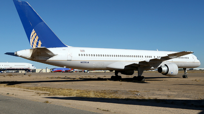 N528UA - Boeing 757-222 - Untitled