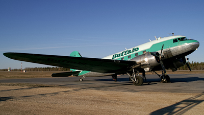 C-FLFR - Douglas DC-3 - Buffalo Airways
