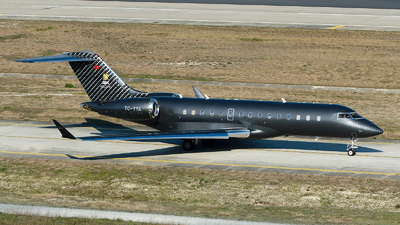 TC-YYA - Bombardier BD-700-1A10 Global Express - Private