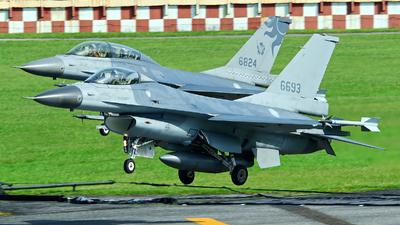 6693 - General Dynamics F-16A Fighting Falcon - Taiwan - Air Force