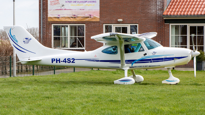 PH-4S2 - TL Ultralight TL-3000 Sirius - Adventure Flights