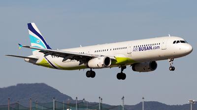 A picture of HL7763 - Airbus A321231 - Air Busan - © Yukio023