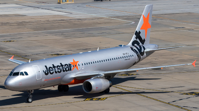 A picture of VHVFJ - Airbus A320232 - Jetstar Airways - © ChrisLait