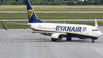 A picture of SPRSI - Boeing 7378AS - Ryanair - © KonradWyszynski