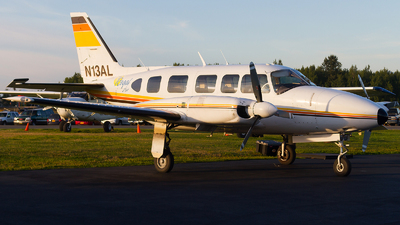 N13AL - Piper PA-31-350 Navajo Chieftain - Regal Air