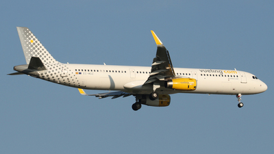 EC-MGZ - Airbus A321-231 - Vueling Airlines