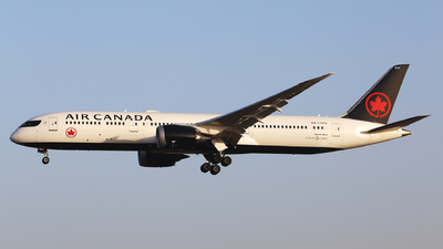 A picture of CFRTG - Boeing 7879 Dreamliner - Air Canada - © Eric Boettcher