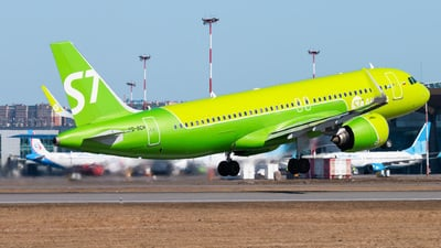 A picture of VQBCH - Airbus A320271N - S7 Airlines - © KomradAlexey