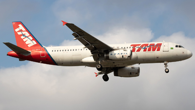 PT-MZY - Airbus A320-232 - TAM Linhas Aéreas