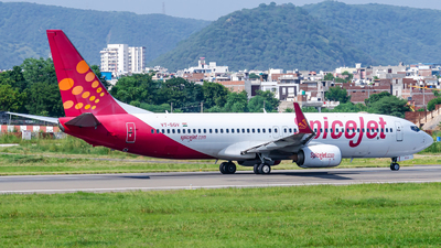VT-SGV - Boeing 737-8GJ - SpiceJet