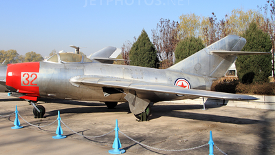 32 - Mikoyan-Gurevich MiG-15bis Fagot - North Korea - Air Force