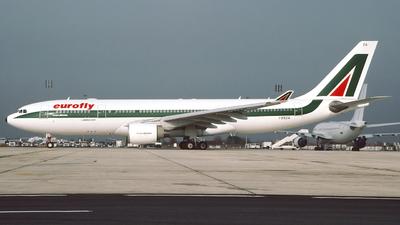 I-EEZA - Airbus A330-223 - Eurofly