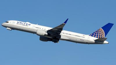 A picture of N588UA - Boeing 757222 - [26717] - © Paul Y. M. Chow - AHKGAP