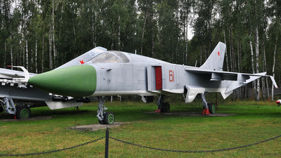61 - Sukhoi Su-24M Fencer - Russia - Air Force