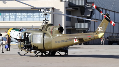 N832M - Bell UH-1B Huey - Private