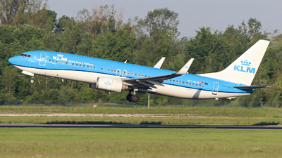 PH-BGA - Boeing 737-8K2 - KLM Royal Dutch Airlines