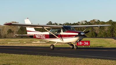 A picture of N8725U - Cessna 172F Skyhawk - [17252629] - © Houstoniahspotter