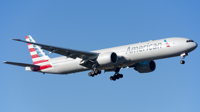 A picture of N726AN - Boeing 777323(ER) - American Airlines - © Cris.Spotter.mg