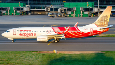 VT-AXW - Boeing 737-8HG - Air India Express