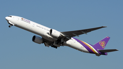 A picture of HSTKX - Boeing 7773D7(ER) - Thai Airways - © Huang Chengjen