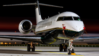 SP-WOI - Bombardier BD-700-1A10 Global Express - Jet Story